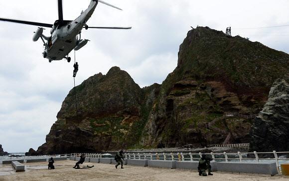 韓, 두번째 대일 압박 독도방어훈련 출격…日 다케시마는 우리 것 반발