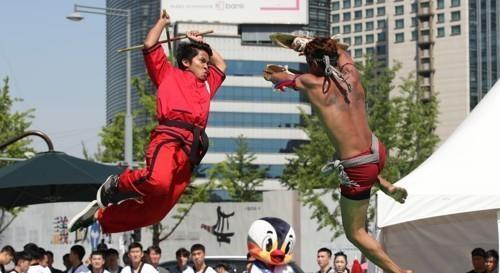世界顶级武术高手齐聚忠州武艺大师赛