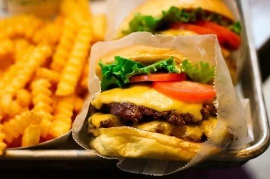 高级汉堡在韩人气正旺 Shakeshack入韩3年开10家店