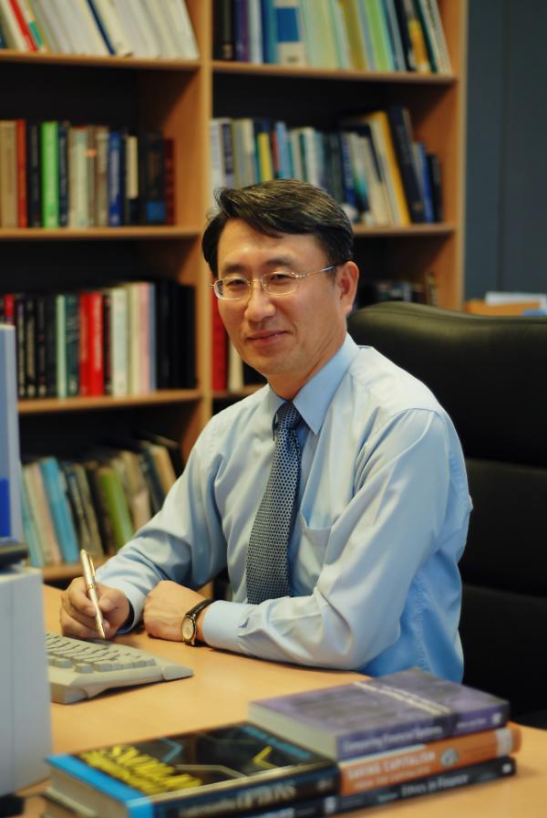[CEO 칼럼] 경제전쟁 성패 규제완화·신뢰자본에 달려