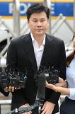 .Police grill YG Entertainment founder as criminal suspect.