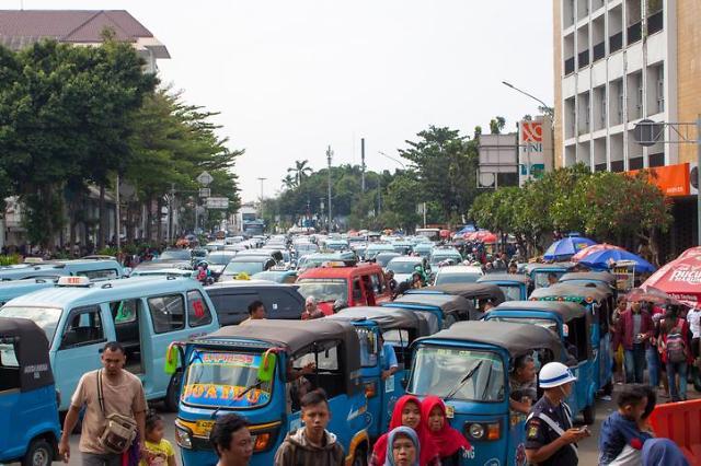 [NNA] 인니 수도 이전, 자카르타 교통해소와 무관... 아니스 주지사