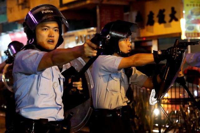 """中 언론 """"홍콩, 긴급법 적용 검토는 올바른 한걸음"""""""