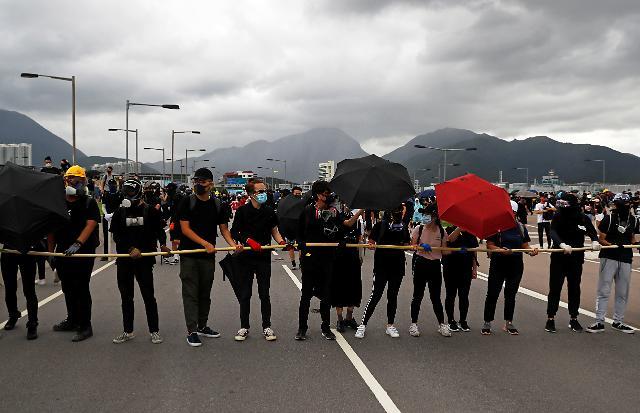 홍콩 노조 총파업 예고...중국군 투입 분수령 되나