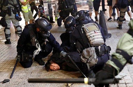 홍콩시위 사망자 발생설, 당국 유언비어…부상자 5명 상태 심각