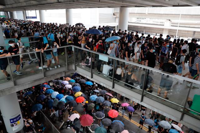 홍콩 동맹휴학...1만 중고생 9월 새학기 불발