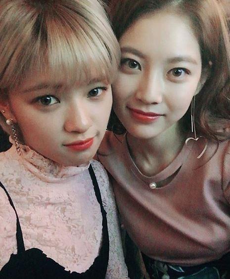 """[슬라이드 #SNS★] 공승연 """"트와이스 정연 언니입니다""""…자매스타그램 """"이쁜애 옆에 이쁜애"""""""