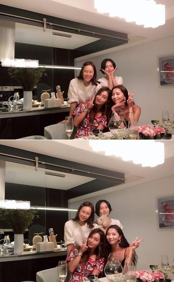 [#SNS★] 백지영, 이정현 이민정 오윤아와 친분? 2019년판 美女들의 수다