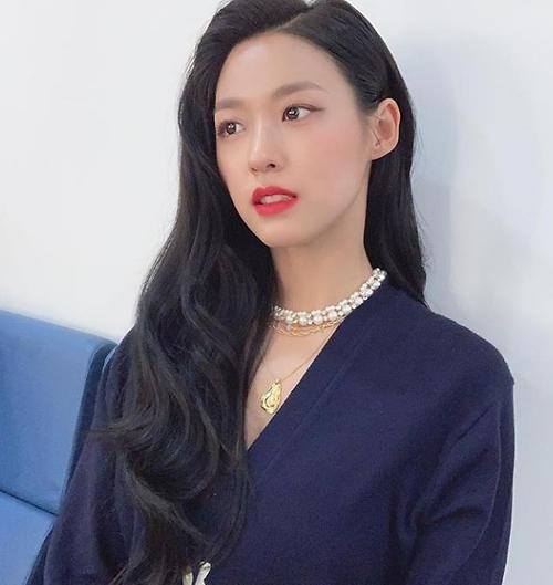 '나의 나라' 설현, 레드립의 강렬한 유혹 '심쿵'