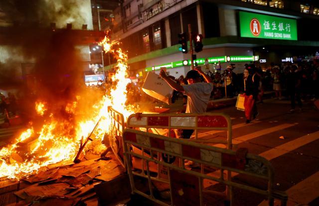 홍콩, 송환법 철폐 후 '첫 주말 시위'... 中-국제사회 대립 격화