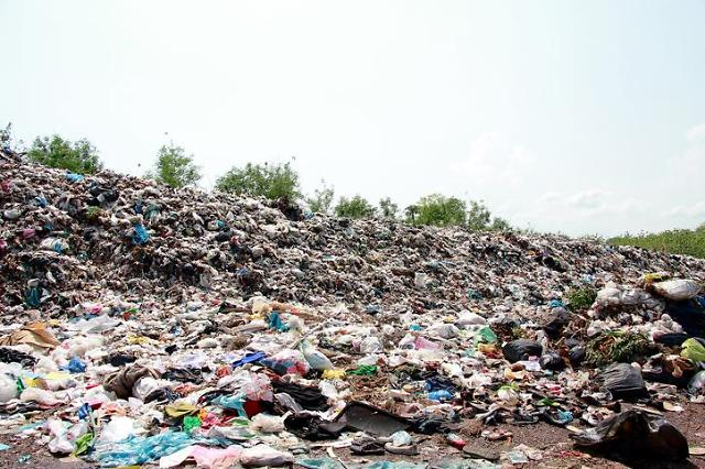 [NNA] 캄보디아 프놈펜, 새로운 쓰레기 매립장 건설 계획