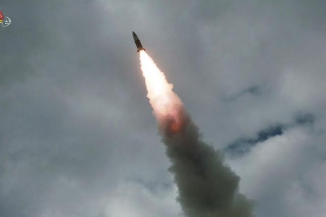 简讯:朝鲜向东部海域发射不明飞行器