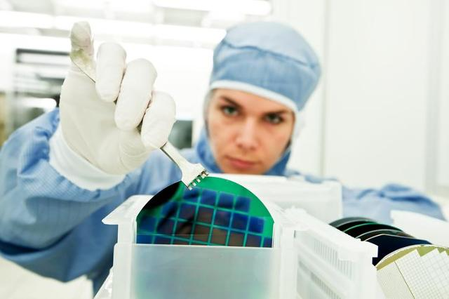 SK group unit will acquire DuPonts silicon carbide wafer business