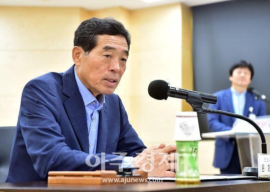 윤화섭 시장 시민감사관 시민들 눈·귀 돼 불편사항 개선 앞장서달라