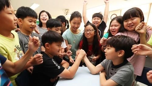 调查:韩七成中小学生因学业重感到时间紧