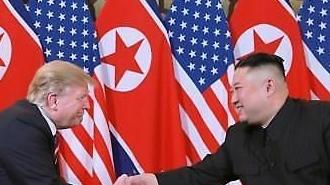 """트럼프 """"김정은과 올해 어느 시점엔가 다시 만나"""""""