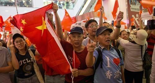 홍콩 시위대·中정부 지지자 충돌...긴장감 고조