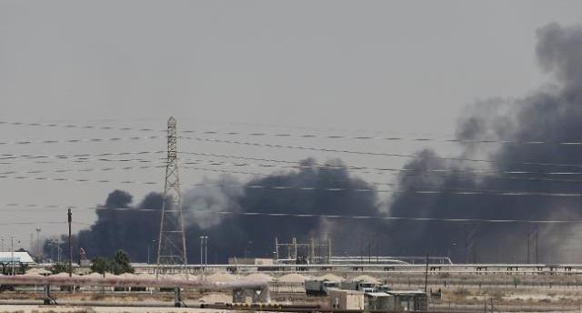 사우디 석유생산 시설 피폭에...미국 vs 이란 갈등격화