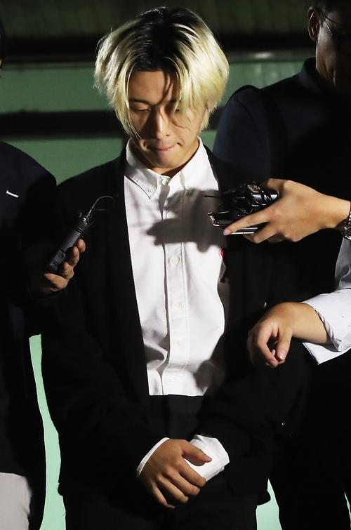 아이콘 비아이(김한빈), '과거 반성하는 표정 포착'