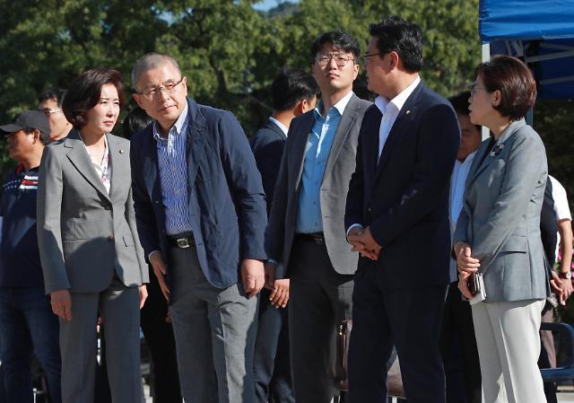 한국당 삭발 릴레이 이주영·심재철 의원도 동참