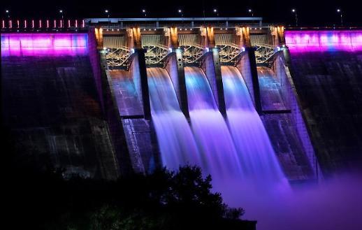 [포토] 합천댐 수문개방