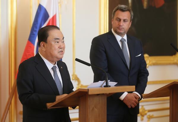 """文의장 """"슬로바키아는 경제협력 파트너""""…국회의장 간 회동"""