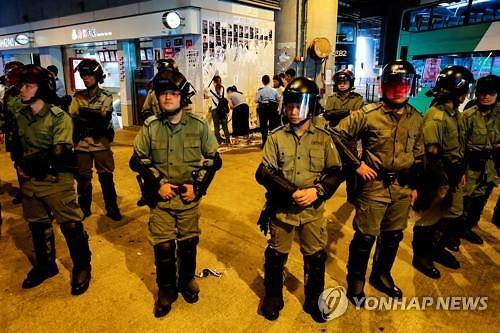 """""""경찰 4000명 배치"""" 홍콩 시위 충돌 우려 고조"""