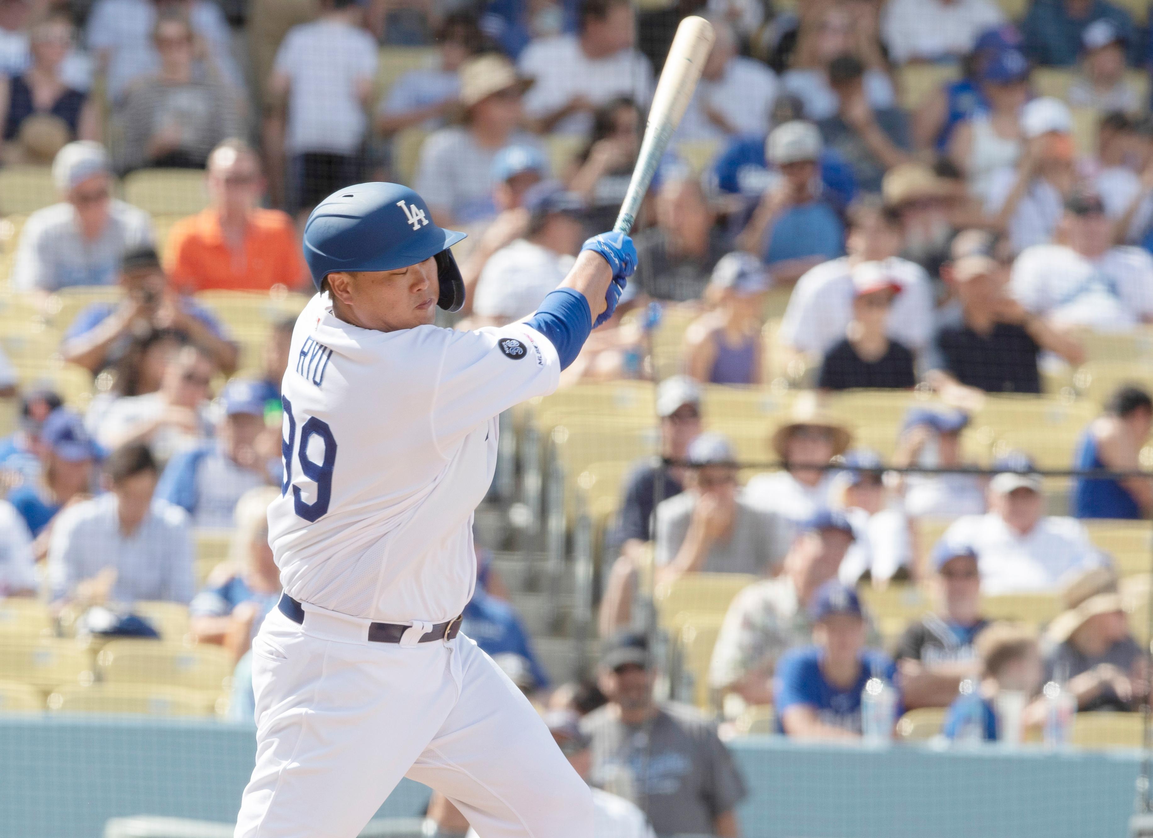 [포토] MLB 데뷔 첫 홈런 날리는 류현진