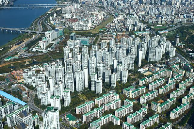 서울 재건축 값, 분양가상한제 시행 불투명에 상승폭 다시 확대