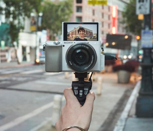 소니, 미러리스 카메라 알파 6100 출시