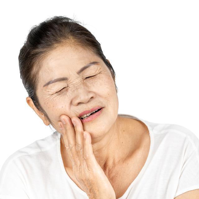 병원별 치과 치료비 천차만별…임플란트 최대 5.6배·레진 22.7배