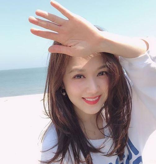 """[슬라이드 #SNS★] 장나라 나이 잊은 일상 모습…""""40세 앞둔 사람 맞음?"""""""