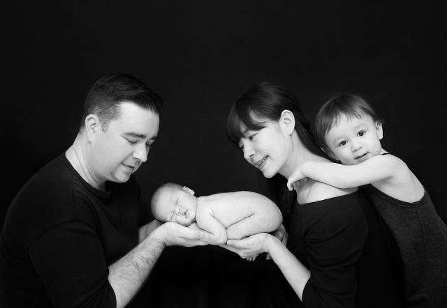 캐논, 사진가 메이킴 아기·가족 사진전 용서 개최