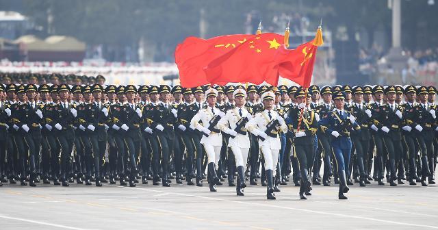 [광화문갤러리] 중국, 건군 70주년 맞아 톈안먼(天安門) 광장에서 대규모 열병식 거행