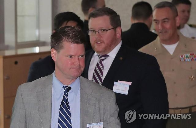 """美국방차관보 """"11월 한·미·일 국방장관회담 개최할 것"""""""