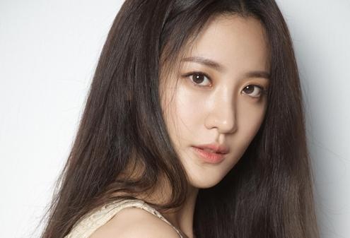 韩国演员秀贤将于12月举办婚礼