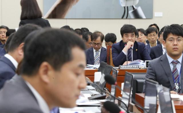 """[2019 국감] 과방위 국감 """"지상파 재송신료 증가 합당치 않다"""" 지적"""