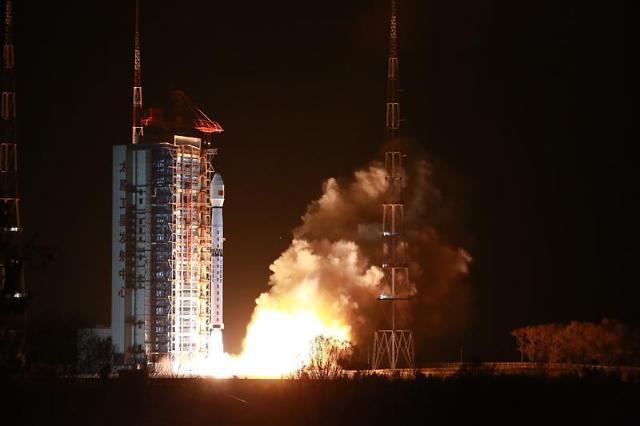 [중국포토]中, 관측위성 가오펀10호 발사 성공