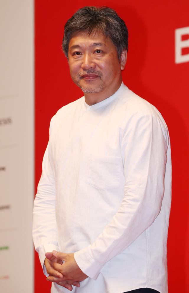 [2019 부산국제영화제] 고레에다 히로카즈 감독, 경색해진 한일관계에 영화의 힘 믿어
