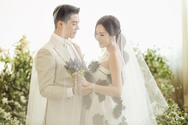 李相花康男婚纱写真公开 12日举办婚礼