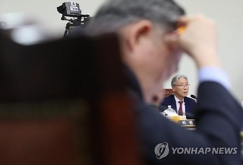 """[2019 국정감사] 여상규 """"X신 같은 게""""... 법사위서 욕설논란"""