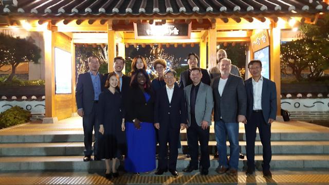 IFEZ, 외국인 자문 위원회와 간담회 개최