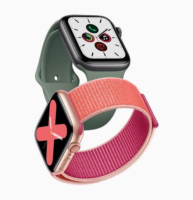 三星电子和苹果的新款智能手表在韩同日上市