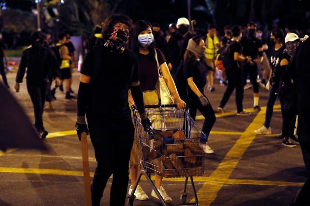 [NNA] 홍콩 시민 70% 복면금지법에 반대