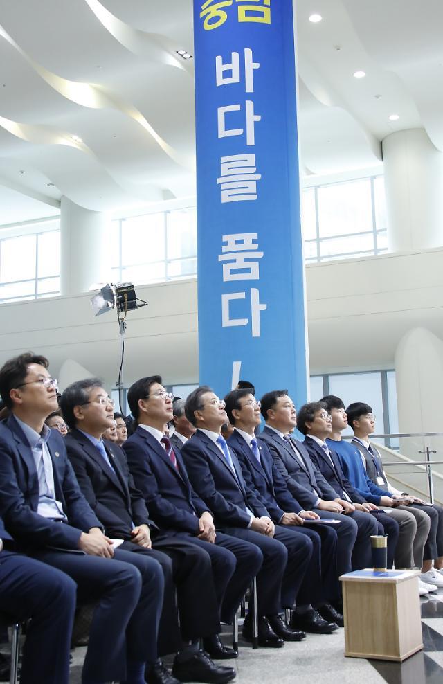 충남 서산 찾은 文대통령 이순신 언급…克日 메시지