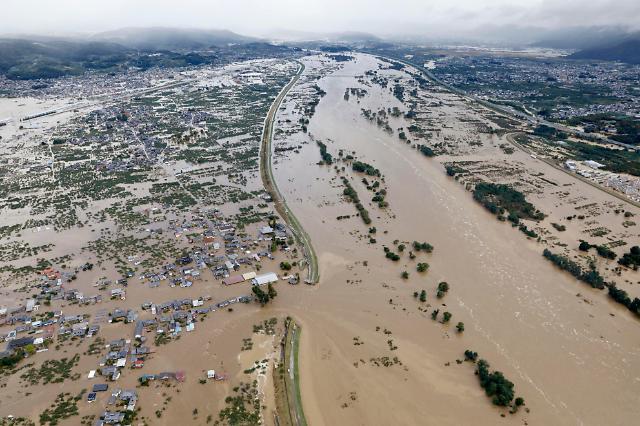 [슬라이드 화보] 태풍 하기비스 영향으로 물에 잠긴 일본 가옥