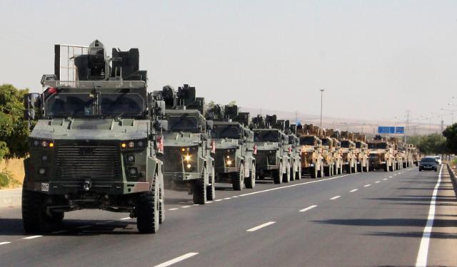 수세에 몰린 쿠르드, 터키에 대적하려 시리아 정부와 손잡아