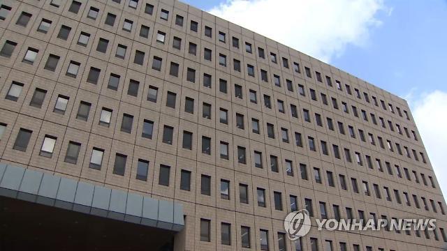 """후임 법무장관 후보군에 김오수, 최강욱, 이건리...하지만 """"이제 누가 나서겠나"""""""