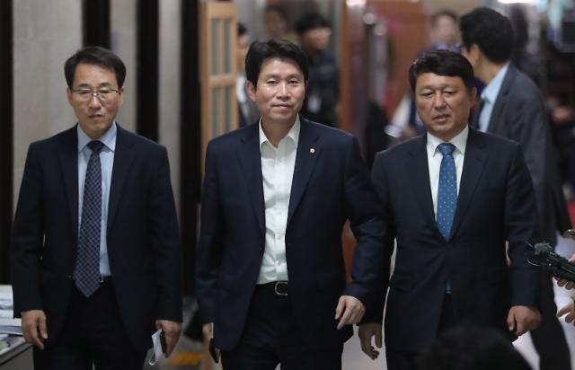 이인영 조국, 불쏘시개 그 이상 역할…하늘 두쪽나도 檢 개혁