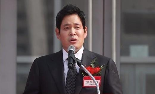정용진 신세계그룹 부회장, '유통 실험' 언제까지